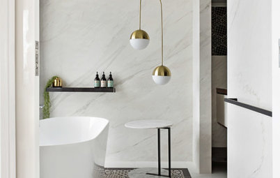 Which Bath is Better: Freestanding or Built-In?