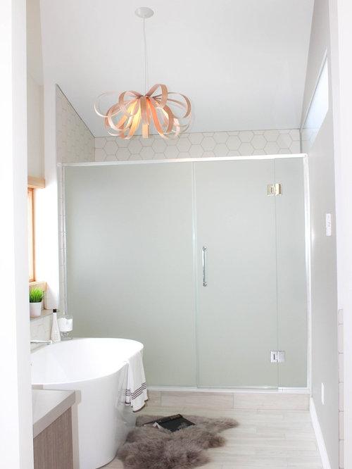 skandinavische badezimmer mit farbigen fliesen design ideen beispiele f r die badgestaltung. Black Bedroom Furniture Sets. Home Design Ideas