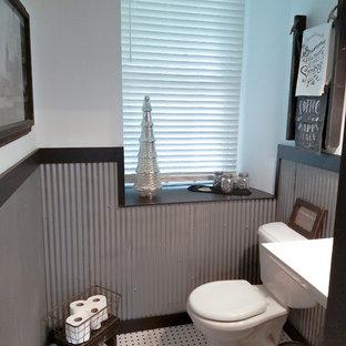 Пример оригинального дизайна интерьера: маленькая ванная комната в стиле кантри с серой плиткой, металлической плиткой, белыми стенами, раковиной с пьедесталом, белым полом и душевой кабиной