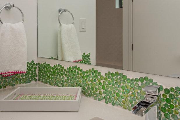 Colori Da Usare In Bagno : Bagni colorati modi di usare il mosaico in verde e blu