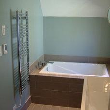 Contemporary Bathroom by MacPherson Builders