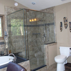 traditional bathroom by THE KITCHEN & BATH CENTER