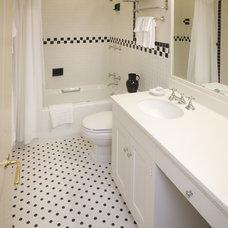 Traditional Bathroom Ewing House Colonial Williamsburg