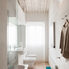 Contemporary Bathroom by Francesco Pierazzi Architects