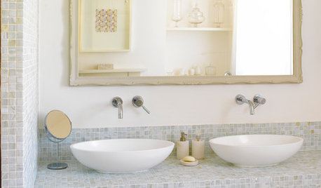 10 Bathrooms with Stylish Countertop Basins
