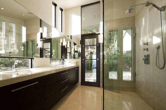 Modern Bathroom by Meister Construction Ltd