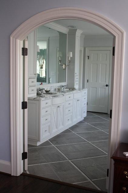 Bathroom by Hardwood Creations