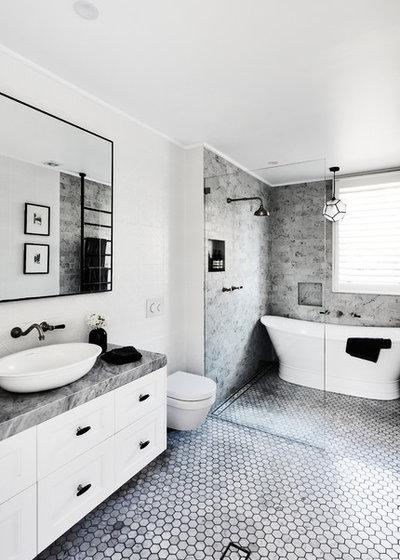 トランジショナル 浴室 by JSM Construction