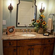 Traditional Bathroom by Bloomday Granite