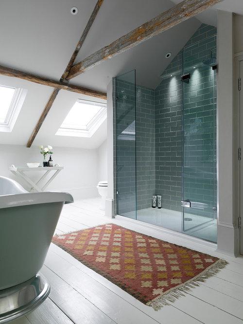 salle de bain avec un carrelage bleu et un carrelage m tro. Black Bedroom Furniture Sets. Home Design Ideas