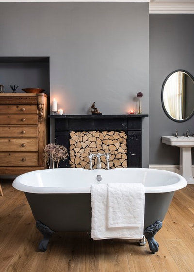 Traditional Bathroom by Aston Matthews