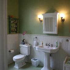 Traditional Bathroom by RTA Studio