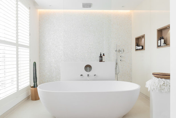 Contemporaneo Stanza da Bagno by Dcasa Ltd