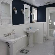 Contemporary Bathroom by Farmhaus Studio