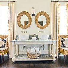 Farmhouse Bathroom Farmhouse Bathroom