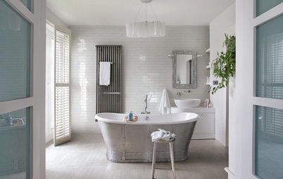 Expert Eye: 6 Ways to Incorporate Timber Into Your Bathroom