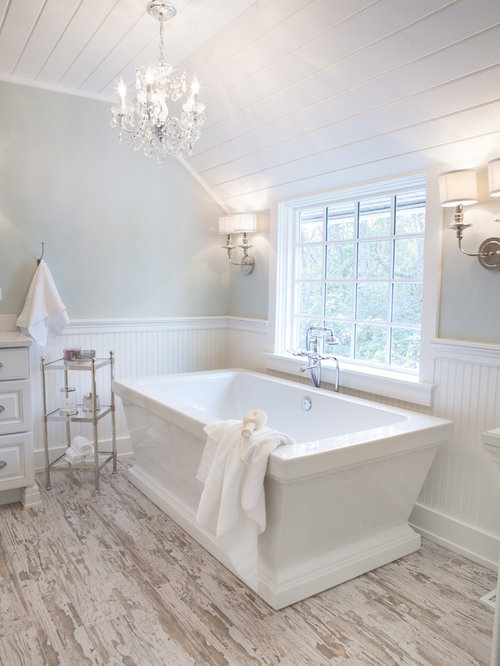 Farmhouse Bathroom Design Ideas Remodels Photos With A Freestanding Tub