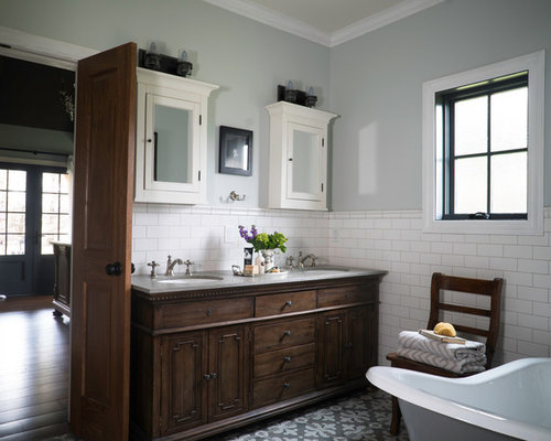 Farmhouse St Louis Bathroom Ideas Designs & Remodel s