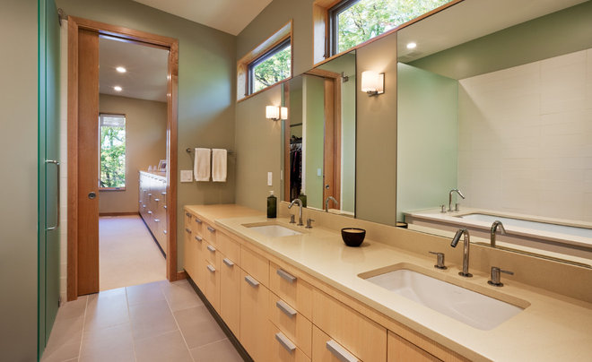 Contemporary Bathroom by ALTUS Architecture + Design