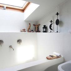 Eclectic Bathroom by Ghirardelli Architetti