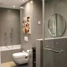 Modern Bathroom by Ikon Design Studio