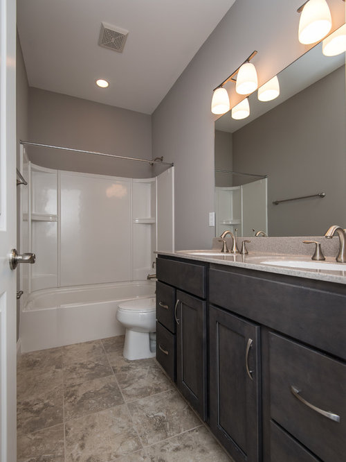 Medium sized family bathroom design ideas renovations for Bathroom ideas medium