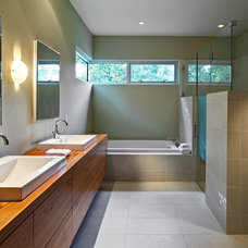 Modern Bathroom by Louis Cherry, FAIA Architect