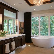 Modern Bathroom by SKD Architects