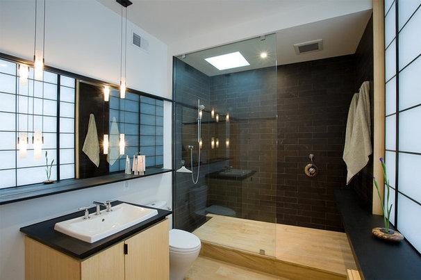 Modern Bathroom by Gardner Mohr Architects LLC