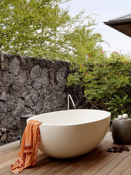 Tropical Freestanding Bathtub Idea In Hawaii