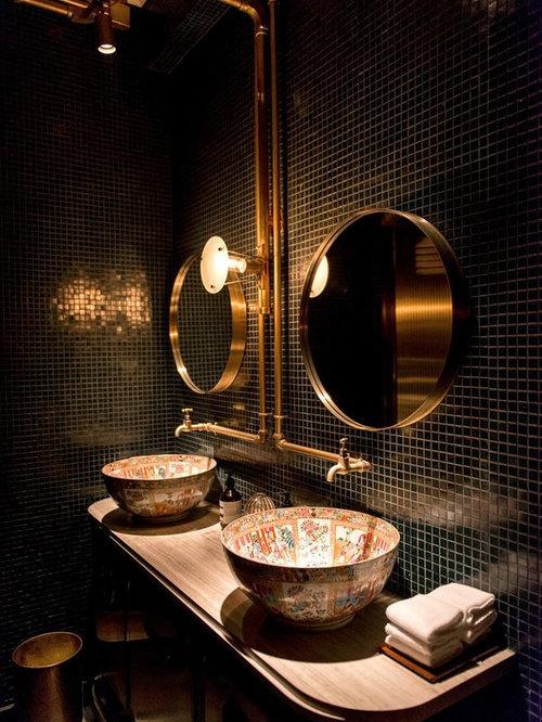 Bagno industriale con piastrelle a mosaico foto idee - Bagno piastrelle marroni ...