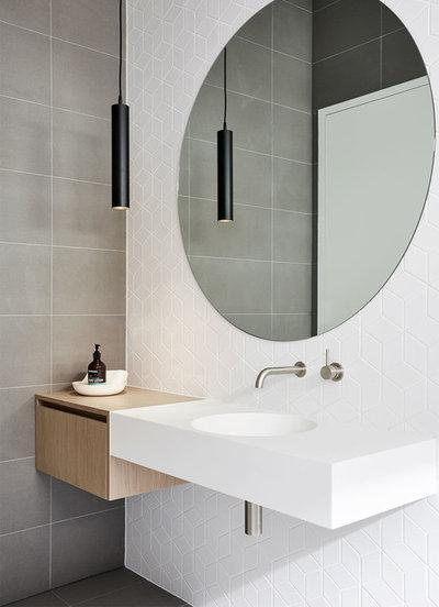 Moderno Stanza da Bagno by Zunica Interior Architecture & Design