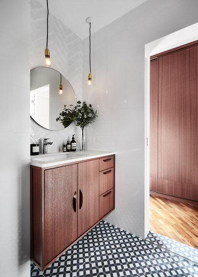 Scandinavian Bathroom by Icon Interior Design Pte Ltd