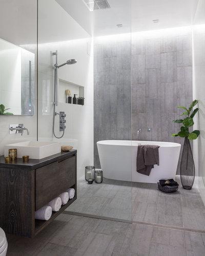 インダストリアル 浴室 by Amanda Thompson