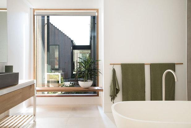 Contemporary Bathroom by Mod3