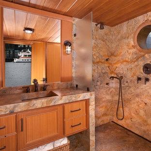 Idee per una stanza da bagno con doccia costiera con ante in legno scuro, doccia alcova, piastrelle multicolore, pareti multicolore, lavabo integrato, pavimento multicolore, doccia aperta e top multicolore