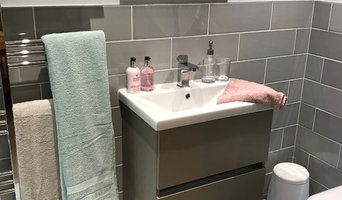 Floating Utopia Vanity Unit & WC in a Chic Ensuite