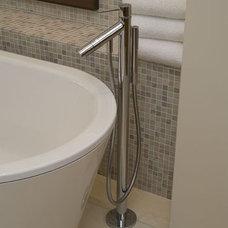 Modern Bathroom by Furman + Keil Architects
