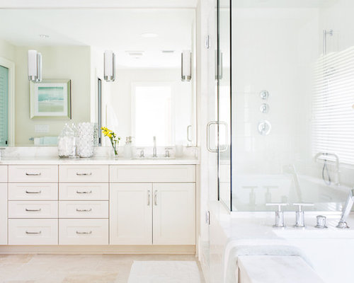 Beach House Bathroom Design Ideas, Remodels & Photos with Beige Cabinets
