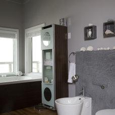 Beach Style Bathroom by Habitat Post & Beam, Inc.