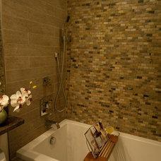 Asian Bathroom by CIRCLE Design Studio