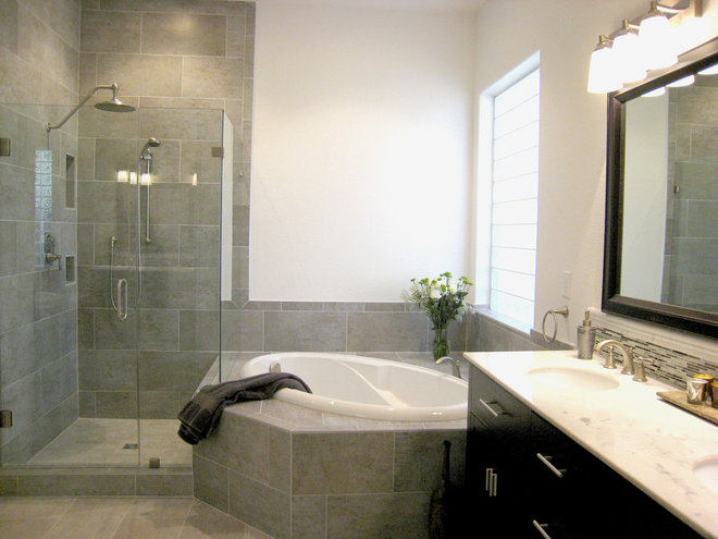Traditional Bathroom by Unique Remodeling and Design by Brush Strokes Inc.