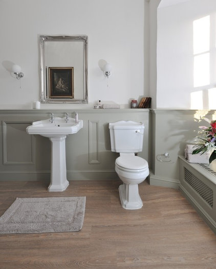 Traditional Bathroom by Project One