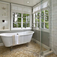 Traditional Bathroom by Urban Chalet Inc.