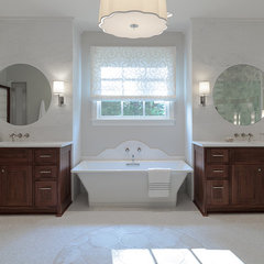 eclectic bathroom by Beckwith Interiors