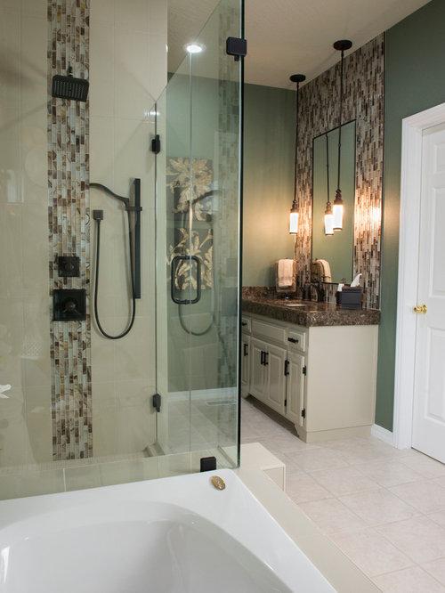 badezimmer mit whirlpool und fliesen aus glasscheiben ideen design bilder houzz. Black Bedroom Furniture Sets. Home Design Ideas