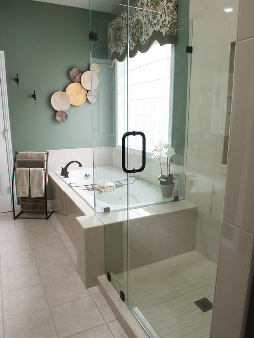 Bathroom design ideas renovations photos with glass for Bathroom ideas medium