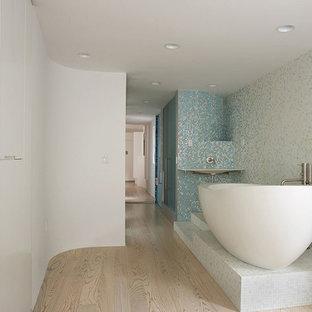 神戸のコンテンポラリースタイルのおしゃれな浴室の写真