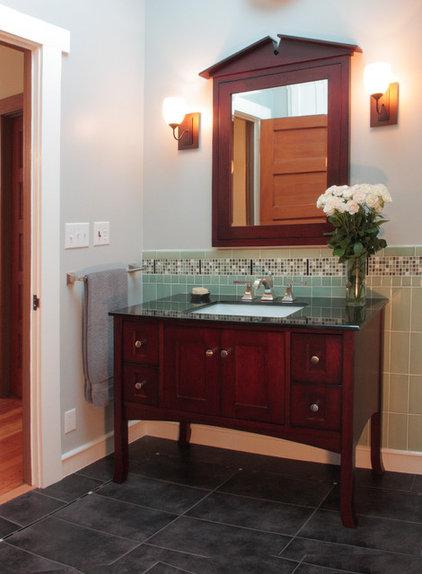 Traditional Bathroom by Elbert Associates
