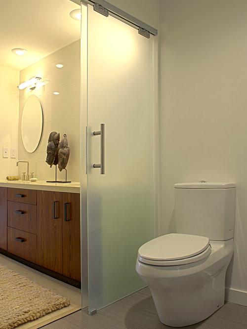 Bathroom sliding door home design ideas renovations photos for Bathroom sliding door designs